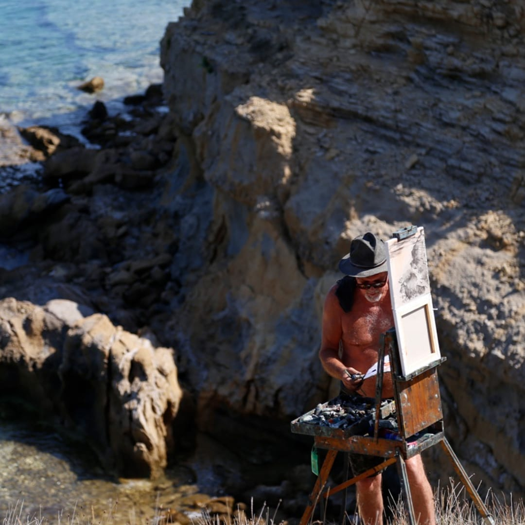 Gerard Byrne plein air painting 'Croatian Sandstone Rocks I' Lopar peninsula Rab island Croatia photo credit Agata Byrne