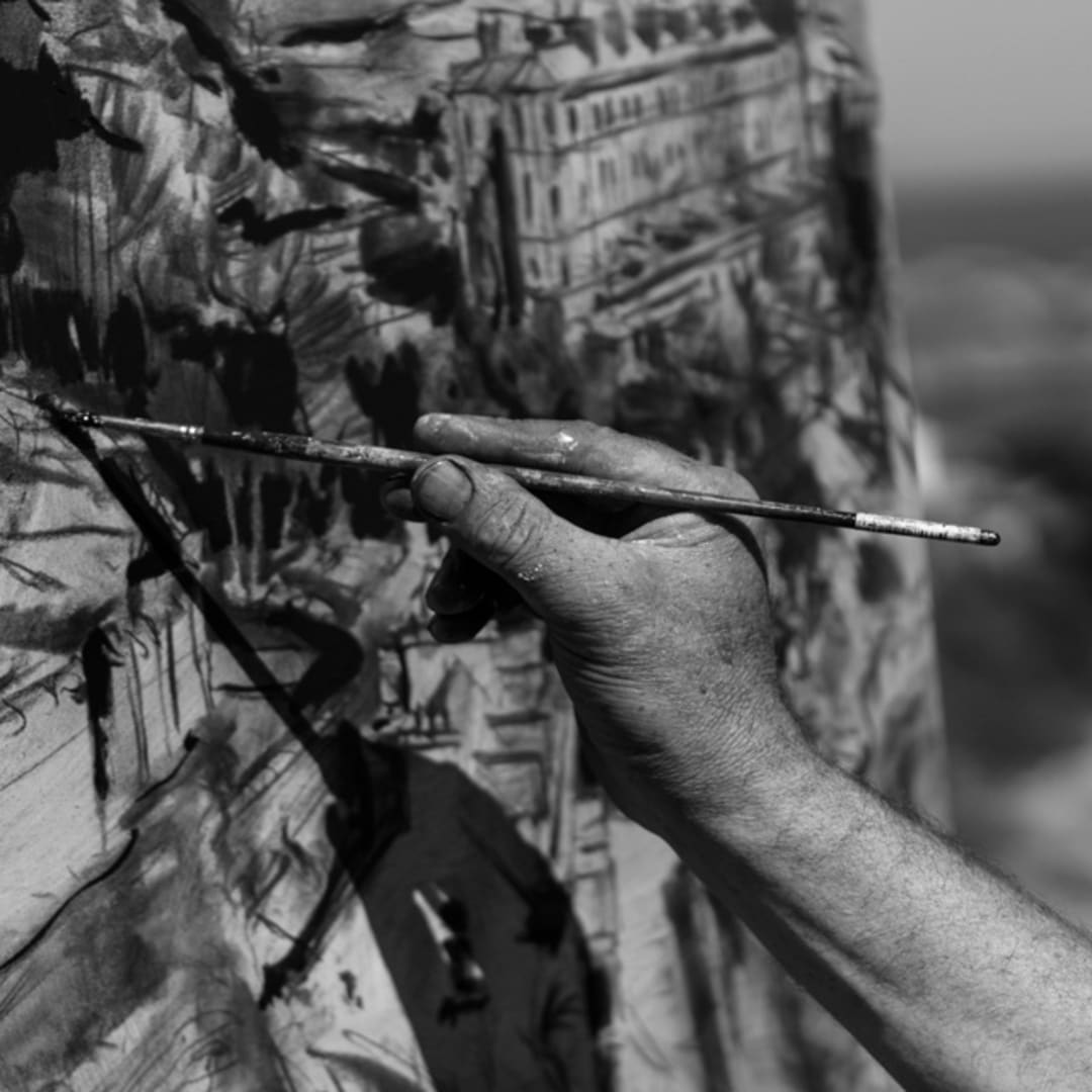 Gerard Byrne painting plein air Sorrento Terrace, Dalkey, photo Colm Murphy