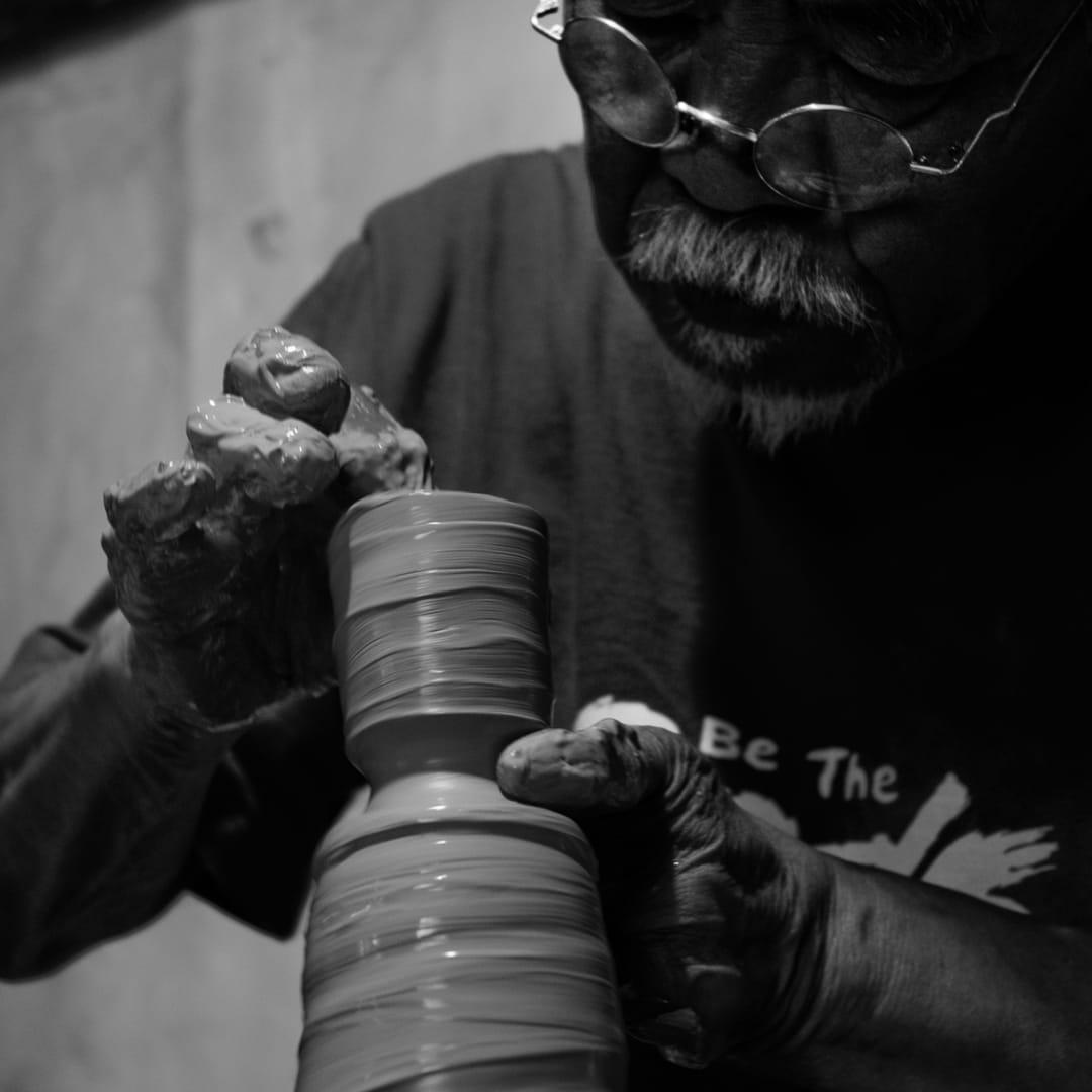 Ryoji Koie at The Lecah Pottery, 2010 © Rebecca Peters