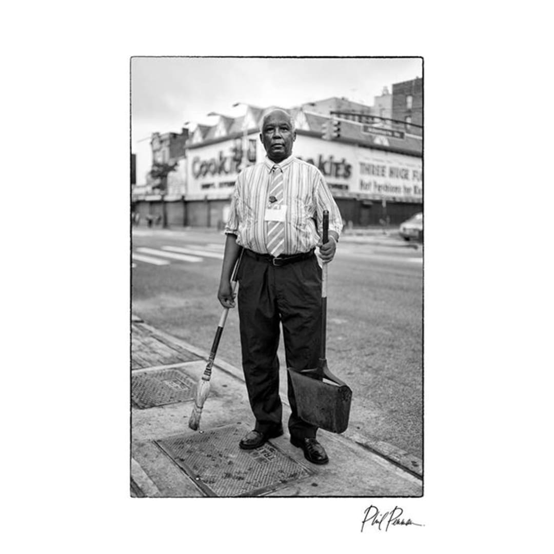 Photo shared by Phil Penman on May 21, 2020 tagging @themuseumofmodernart, @leica_camera, @strandbookstore, @magnumphotos, @rizzolibooks, @leicaakademieusa, @fotografiska.ny, @streetportraitureglobal, and @streetphotographycollection. Image may contain: 1 person, standing