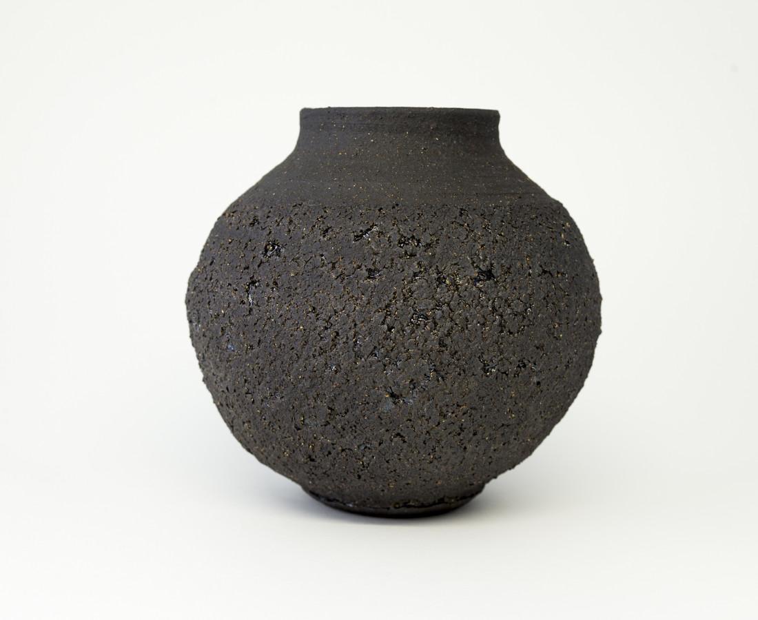 Hugh West, Black Round Vase