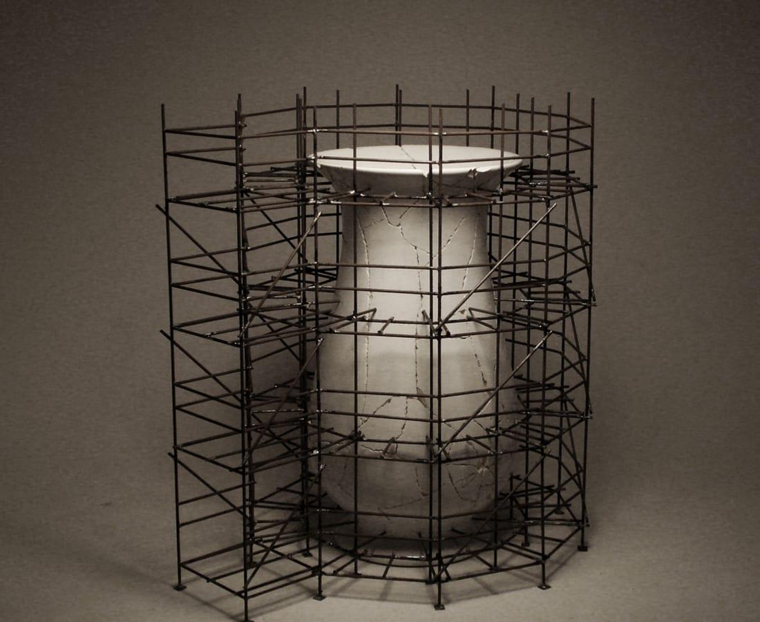 Wieland Vogel, Broken Vase - 4 levels