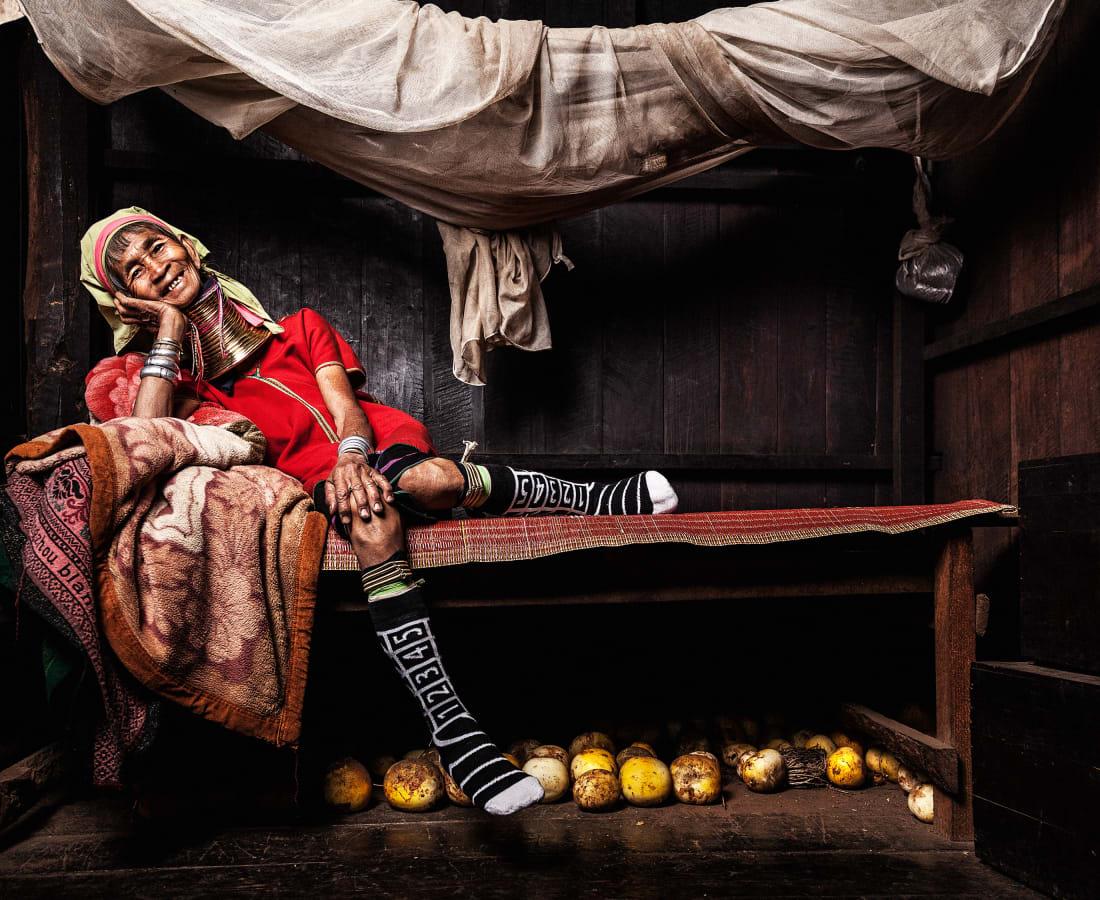 Tatchatrin Choeychom, Mu Lon - The granny in her bedroom