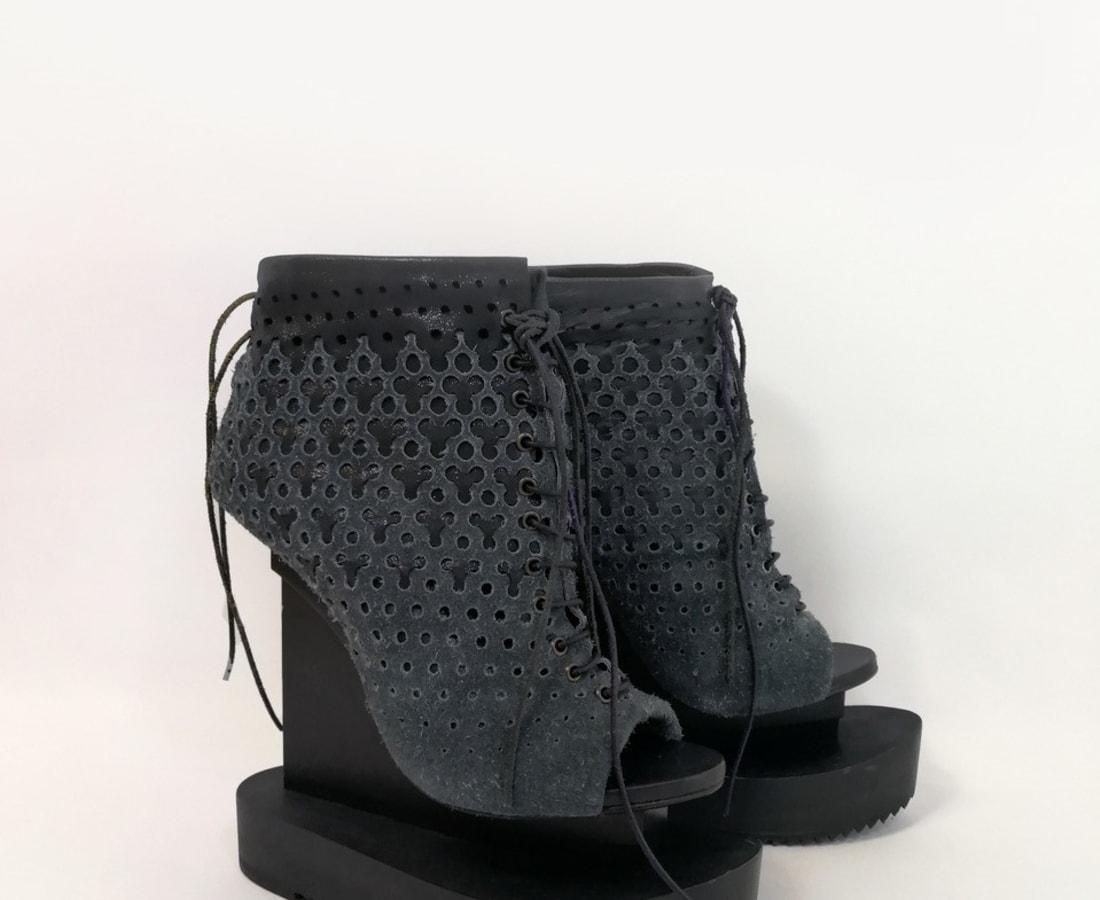 Iris van Herpen, Ludi Naturae Shoes grey