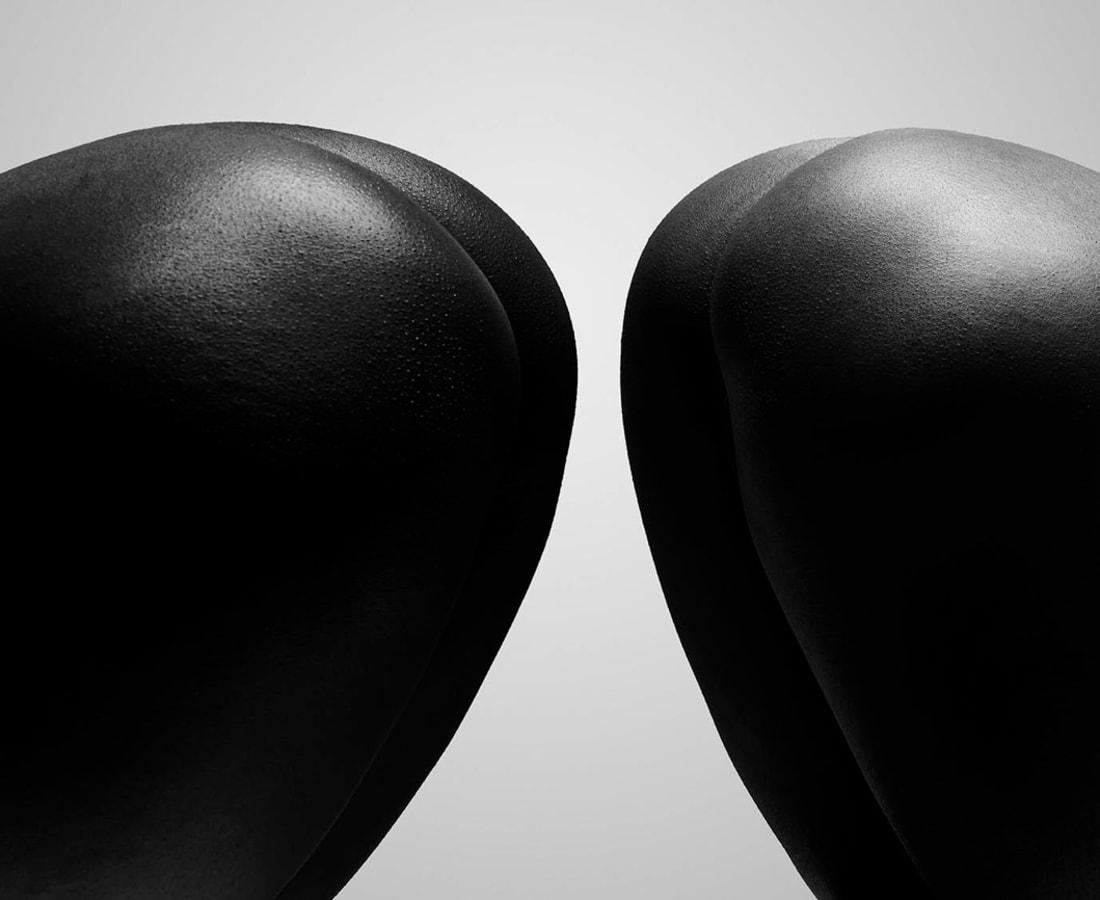 Carli Hermès, Buttocks 4