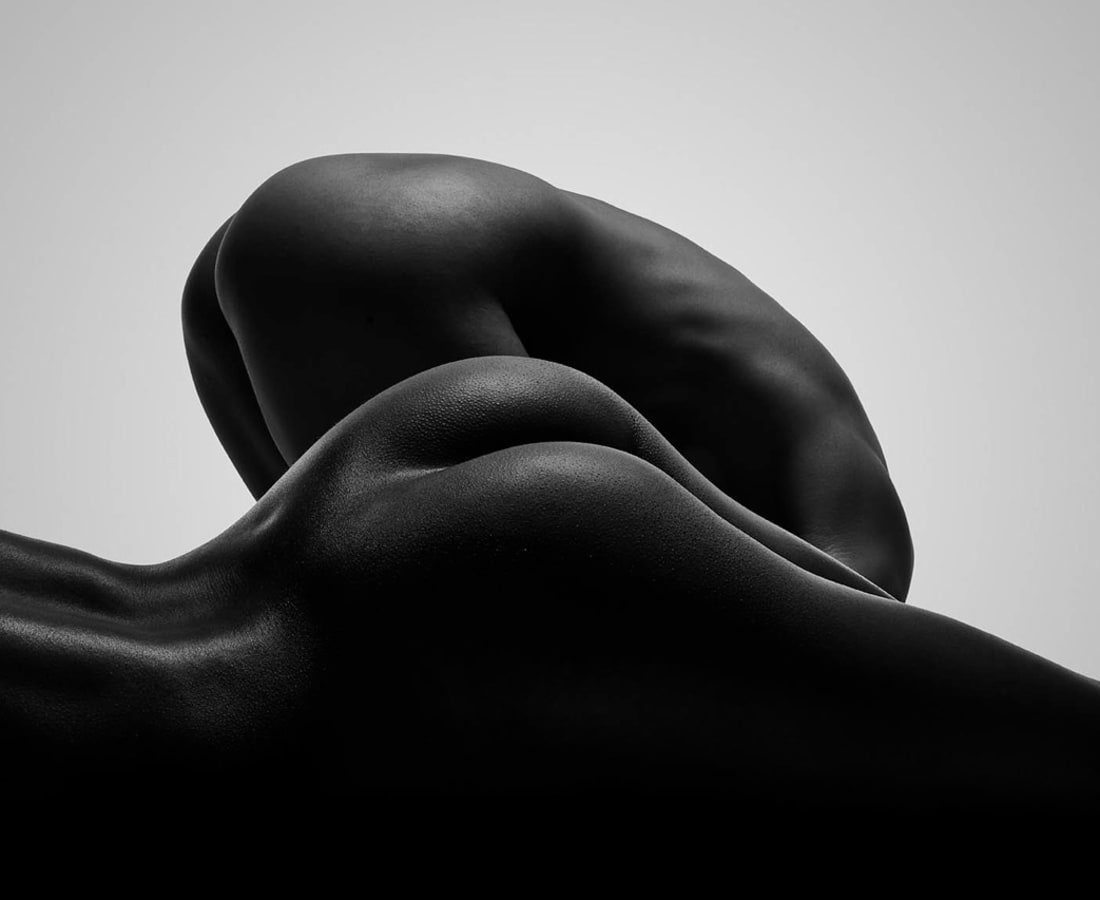Carli Hermès, Buttocks 3