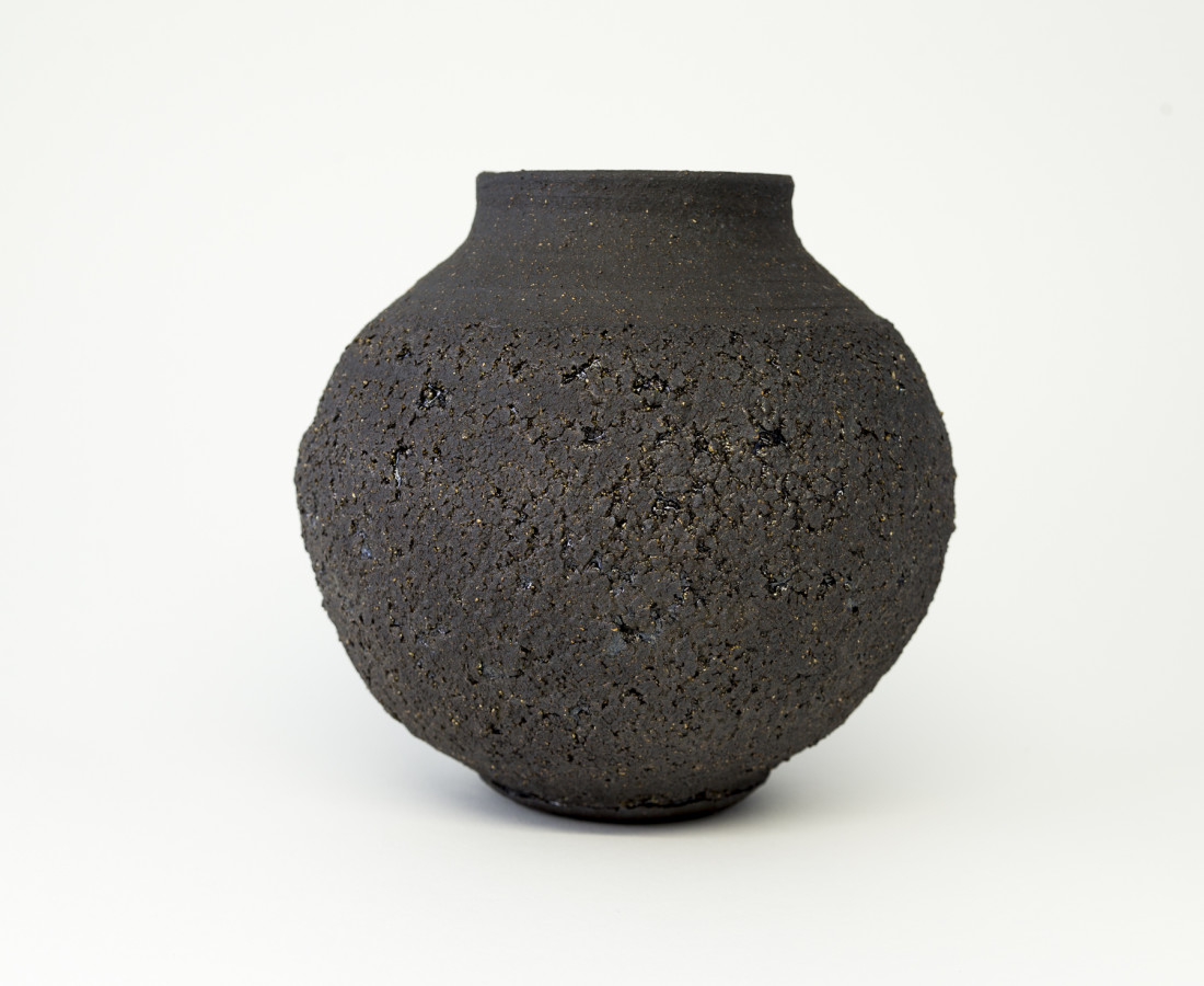 Hugh West, Black Round Vase