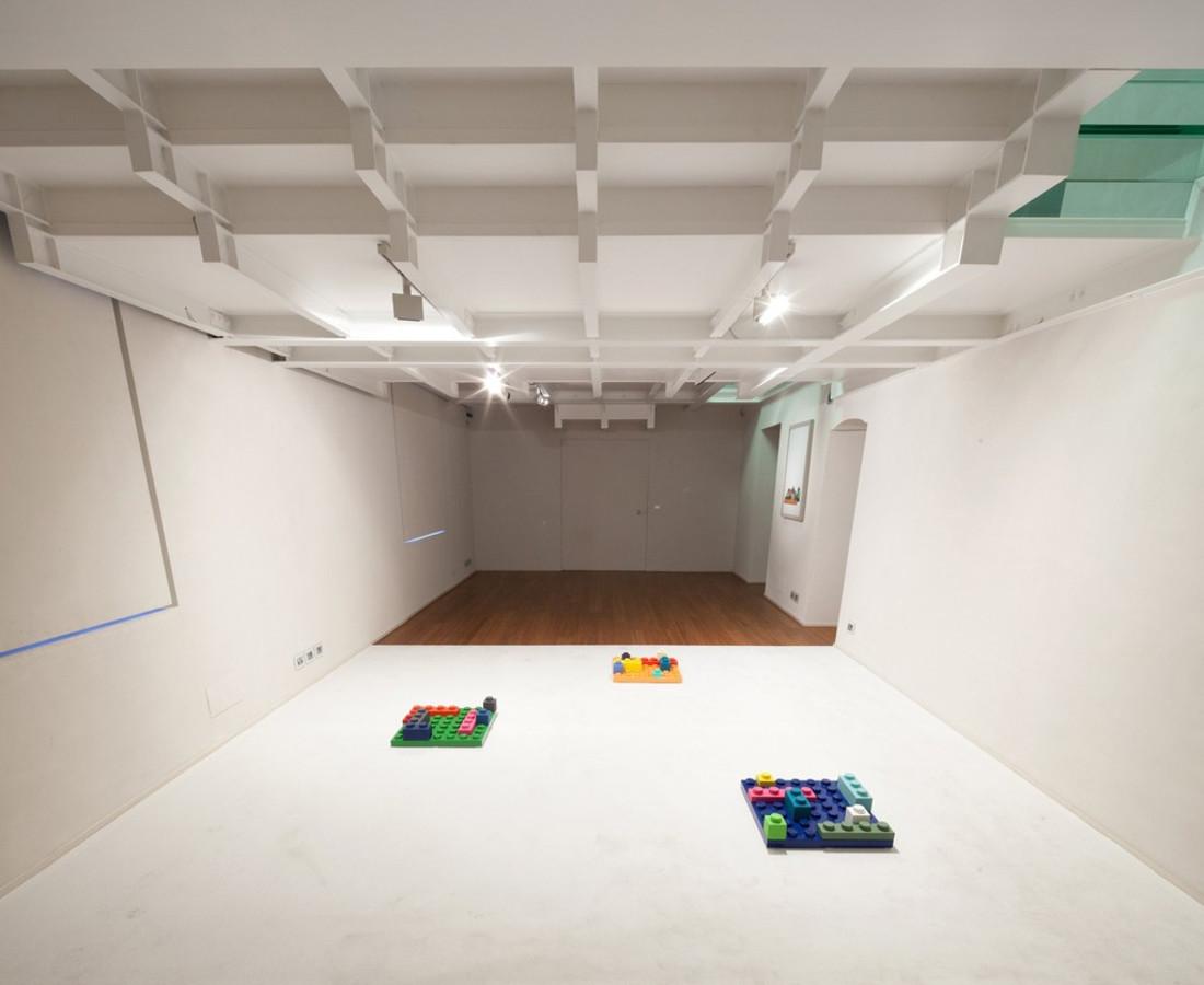 Massimo Kaufmann, Matteo Negri, Gabriele Picco, Roberto Pietrosanti : Un pallino in testa – ABC-ARTE Contemporary art Gallery – 2013-2014 Exhibition view - zoom for more details