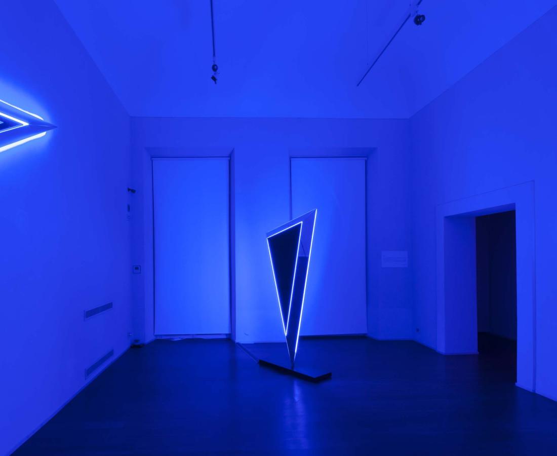 Nanda Vigo: Light Trek - ABC-ARTE Contemporary art Gallery - 2014-2015 Deep Space, 2014, 100 x 65 x 15 cm - 39 5/16 x 25 9/16 x 5 14/16 ins, specchio, vetro e luci neon Deep Space, 2014, 200 x 100 x 40 cm - 78 11/16 x 39 5/16 x 15 11/16 ins, specchio, vetro e luci neon Deep Space, 2014, 190 x 65 x 15 cm - 74 12/16 x 25 9/16 x 5 14/16 ins, specchio, vetro e luci neon