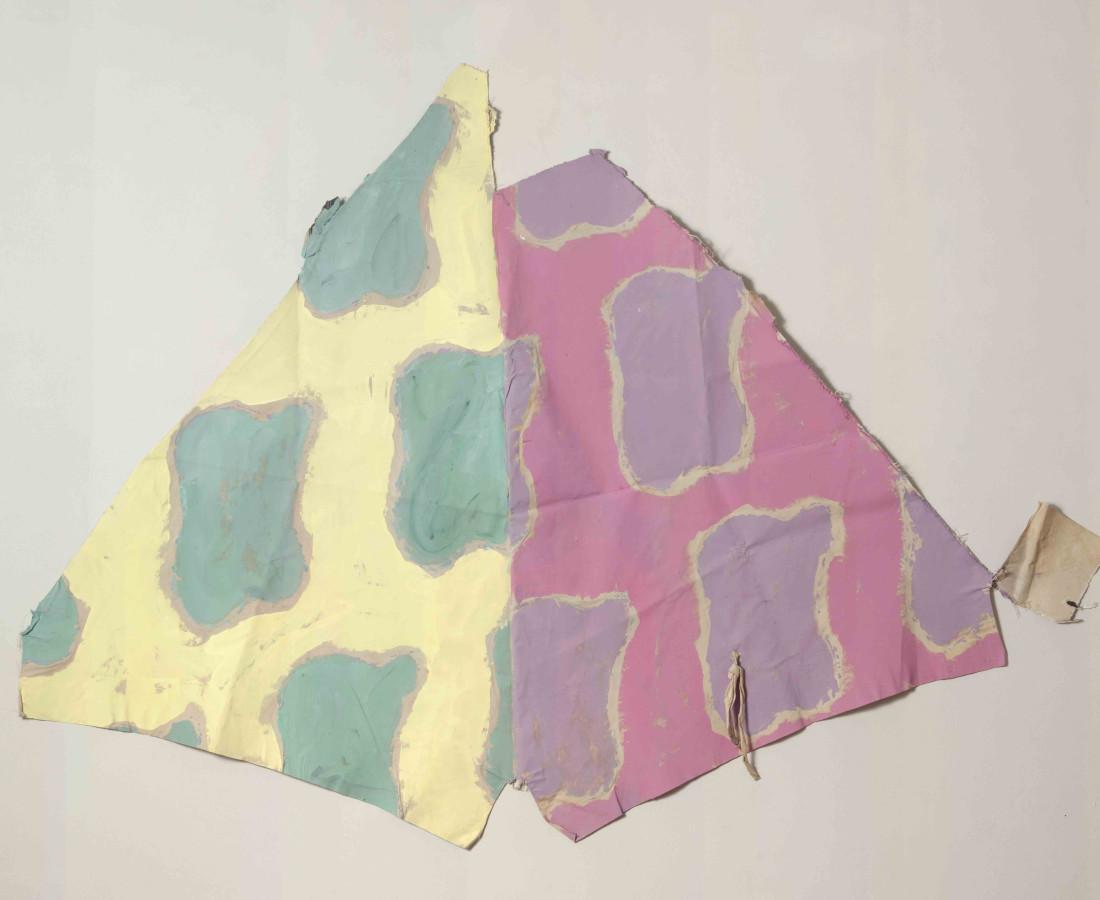 Erbern - Pinelli - Viallat: Claude Viallat, 026, 1979, 126 x 156 cm - 49 5/8 x 61 3/8 in, acrilico su tessuto