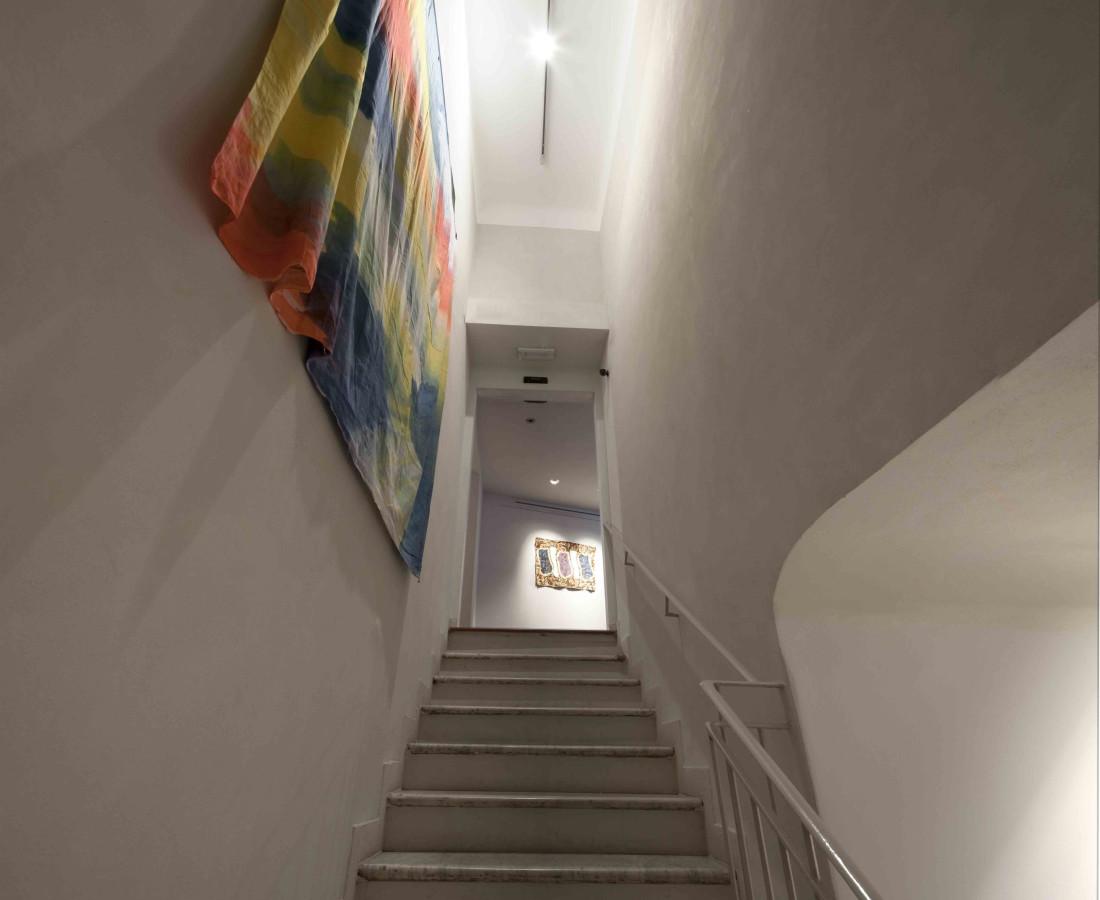 Erbern - Pinelli - Viallat: La pittura in sé - The painting itself – ABC-ARTE Contemporary art Gallery – 2015 Claude Viallat, 023, 1975, 230 x 210 cm - 90 1/2 x 82 5/8 in, acrilico su tessuto Claude Viallat, 001, 2001, 61 x 89 cm - 24 1/8 x 35 1/8 in, acrilico su tessuto