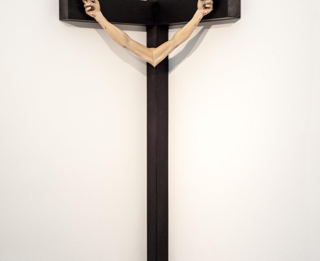 Mauro Vignando: Untitled, 2015, 231 x 55 x 55 cm , legno-tecnica mista