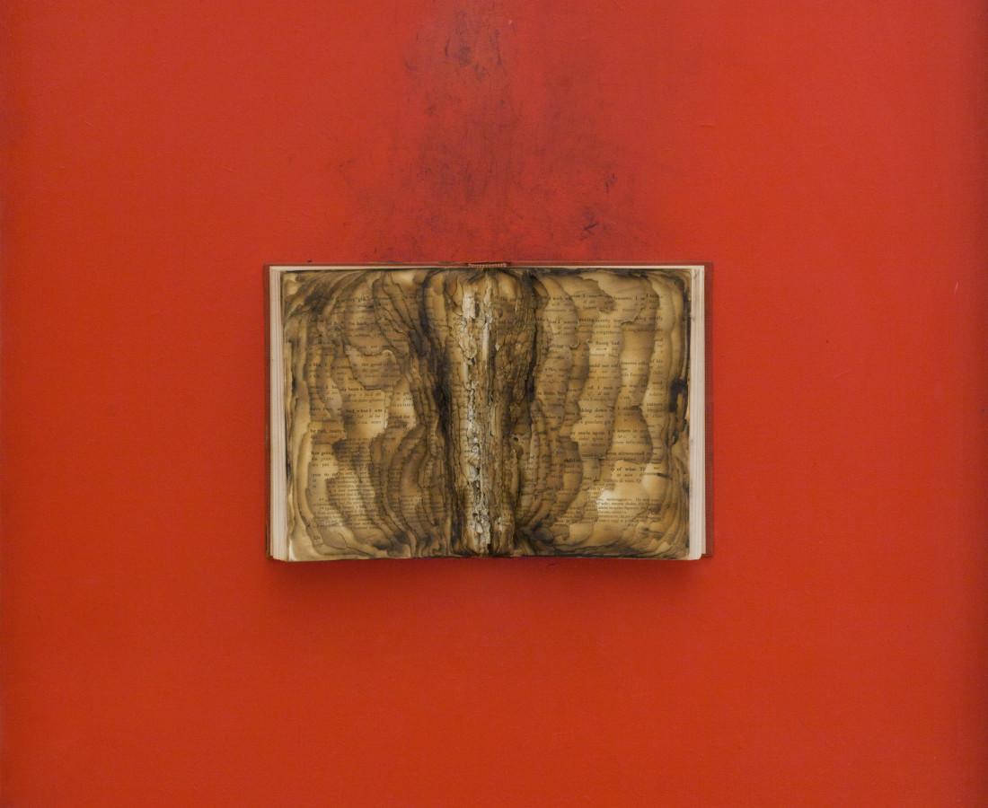 Bernard Aubertin, 1974, Livre brulé, 73x80cm, burnt book.