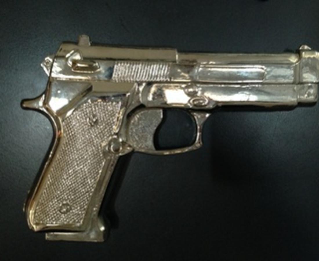 Shelter Serra Fake Gun, 2014