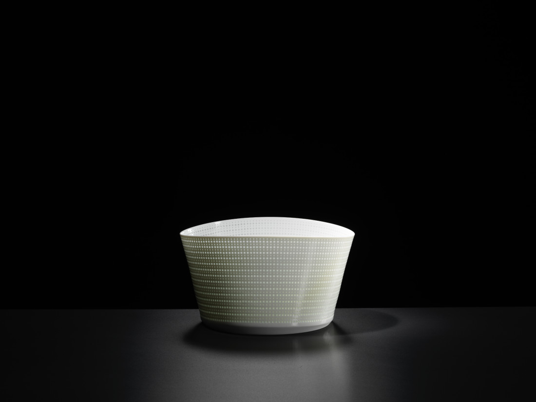 Niisato Akio, Porcelain Light Vessel
