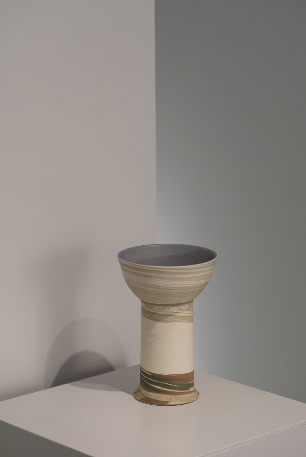 Gordon Baldwin, Pedestal Bowl, 73
