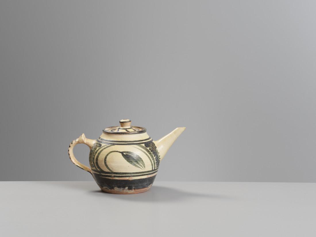 Michael Cardew, Teapot , 1940s