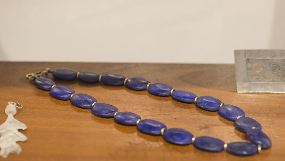 <span class=&#34;artist&#34;><strong>Breon O'Casey</strong><span class=&#34;artist_comma&#34;>, </span></span><span class=&#34;title&#34;>Lapis Lazuli Necklace</span>