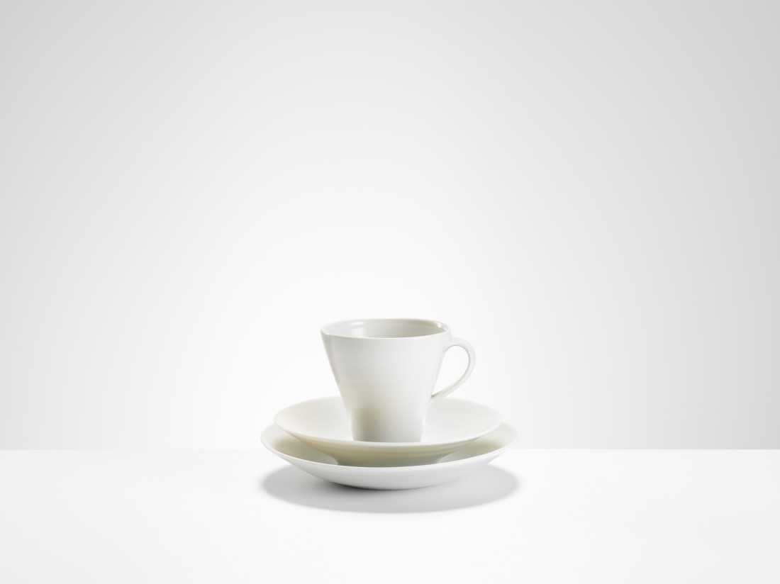 <span class=&#34;artist&#34;><strong>Joanna Constantinidis</strong><span class=&#34;artist_comma&#34;>, </span></span><span class=&#34;title&#34;>Tall Cup, Saucer and Side Plate</span>