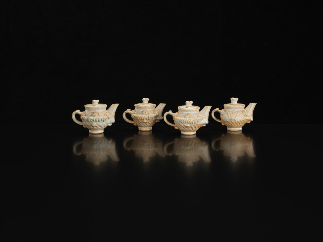 <span class=&#34;artist&#34;><strong>Ian Godfrey</strong><span class=&#34;artist_comma&#34;>, </span></span><span class=&#34;title&#34;>4 x Miniature Teapots<span class=&#34;title_comma&#34;>, </span></span><span class=&#34;year&#34;>C1970s</span>