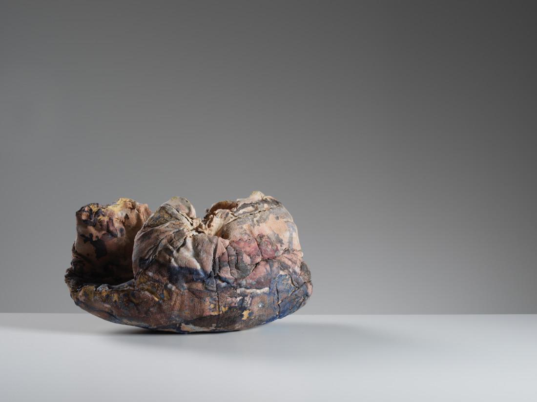 Ewen Henderson, Enfolding Form, c1998