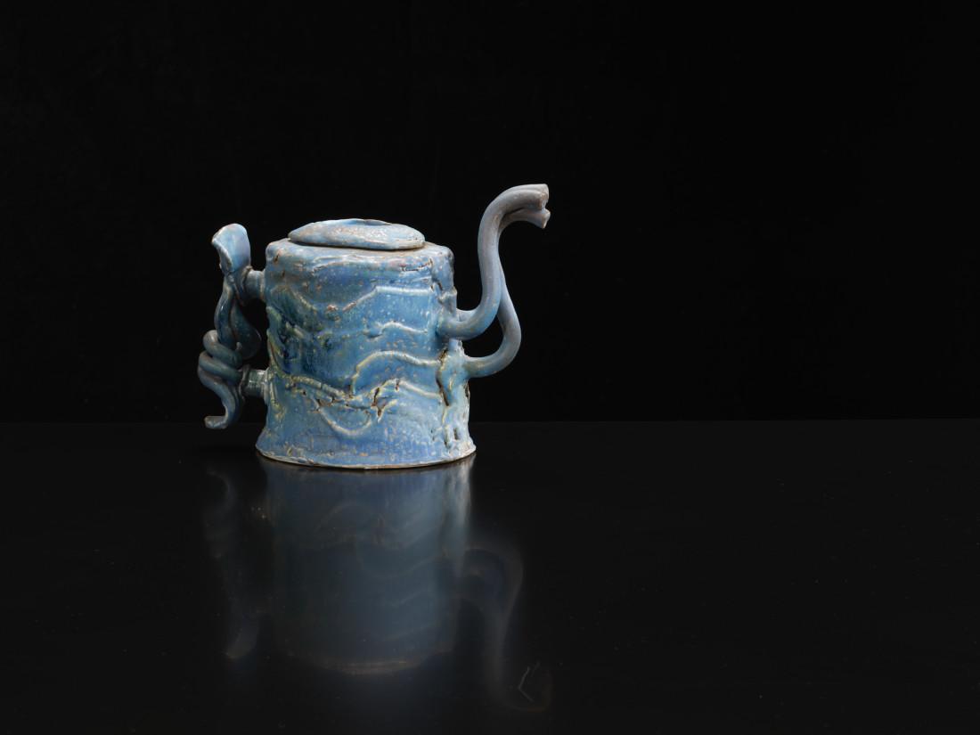 <span class=&#34;artist&#34;><strong>Colin Pearson</strong><span class=&#34;artist_comma&#34;>, </span></span><span class=&#34;title&#34;>Blue Teapot</span>
