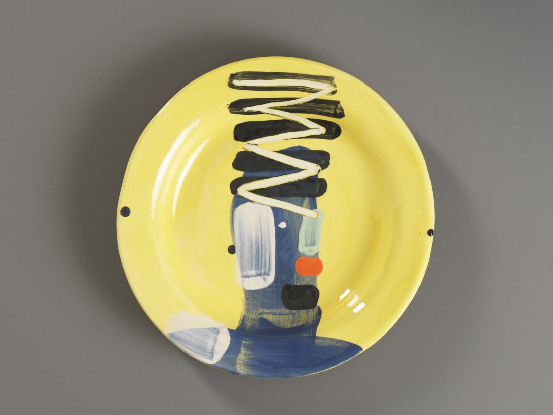 Bruce McLean, Plate