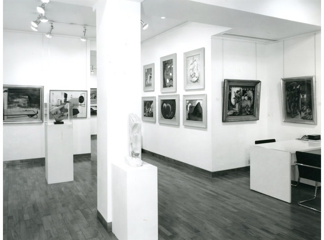<p>BRITISH SURREALISM FIFTY YEARS ON Installation View</p>