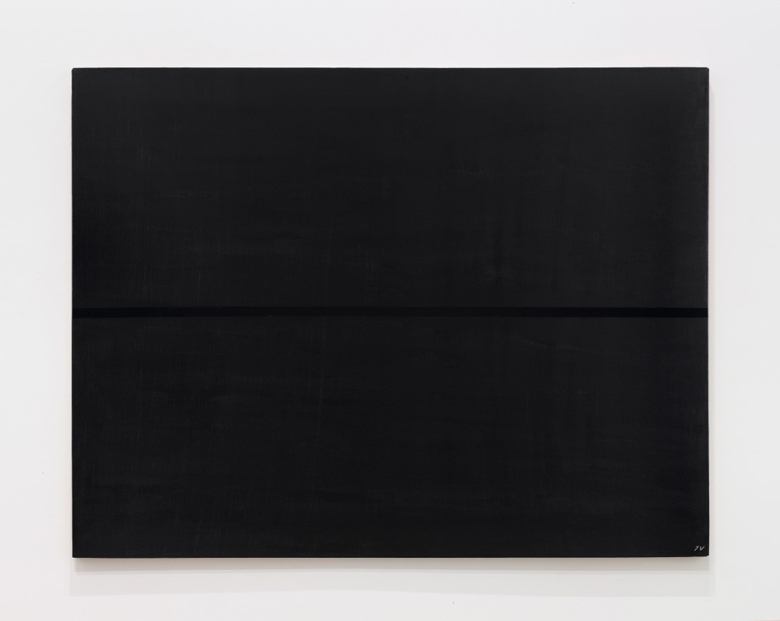 "<p><span class=""title""><em>Black line on a black surface</em>, 1968‒1997</span></p><div class=""title"">Oil and acrylic on canvas</div><div class=""dimensions"">100 x 130 cm<br />39 ⅜ x 51 ¼ inches</div>"