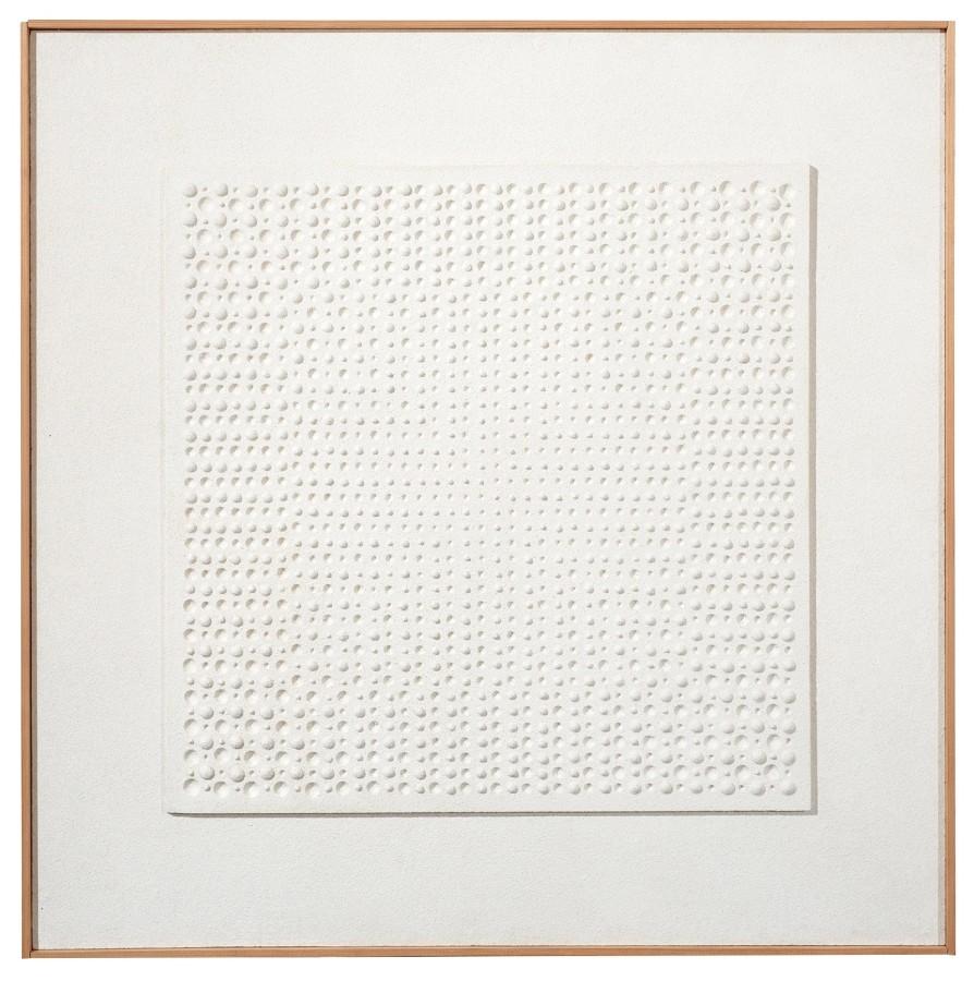 "<p><span class=""artist""><strong>GERHARD VON GRAEVENITZ</strong></span></p><p><span class=""title""><em>White structure</em>, 1961</span></p><div class=""medium"">Painted plaster relief</div><div class=""dimensions"">60 x 60 cm<br />23 ⅝ x 23 ⅝ inches</div>"