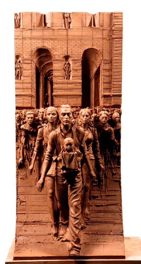 Crossing Rivoli Bronze 63 x 27 x 25 cm