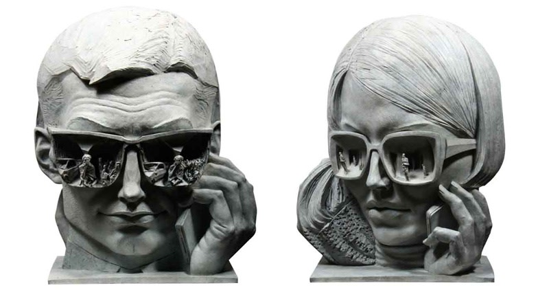 i-people (two-sided piece) Bronze 63 x 50 x 28 cm