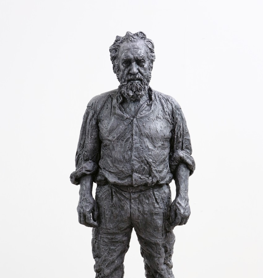 Standing Man, 2016 Bronze, exterior paint 111 x 41 x 26 cm