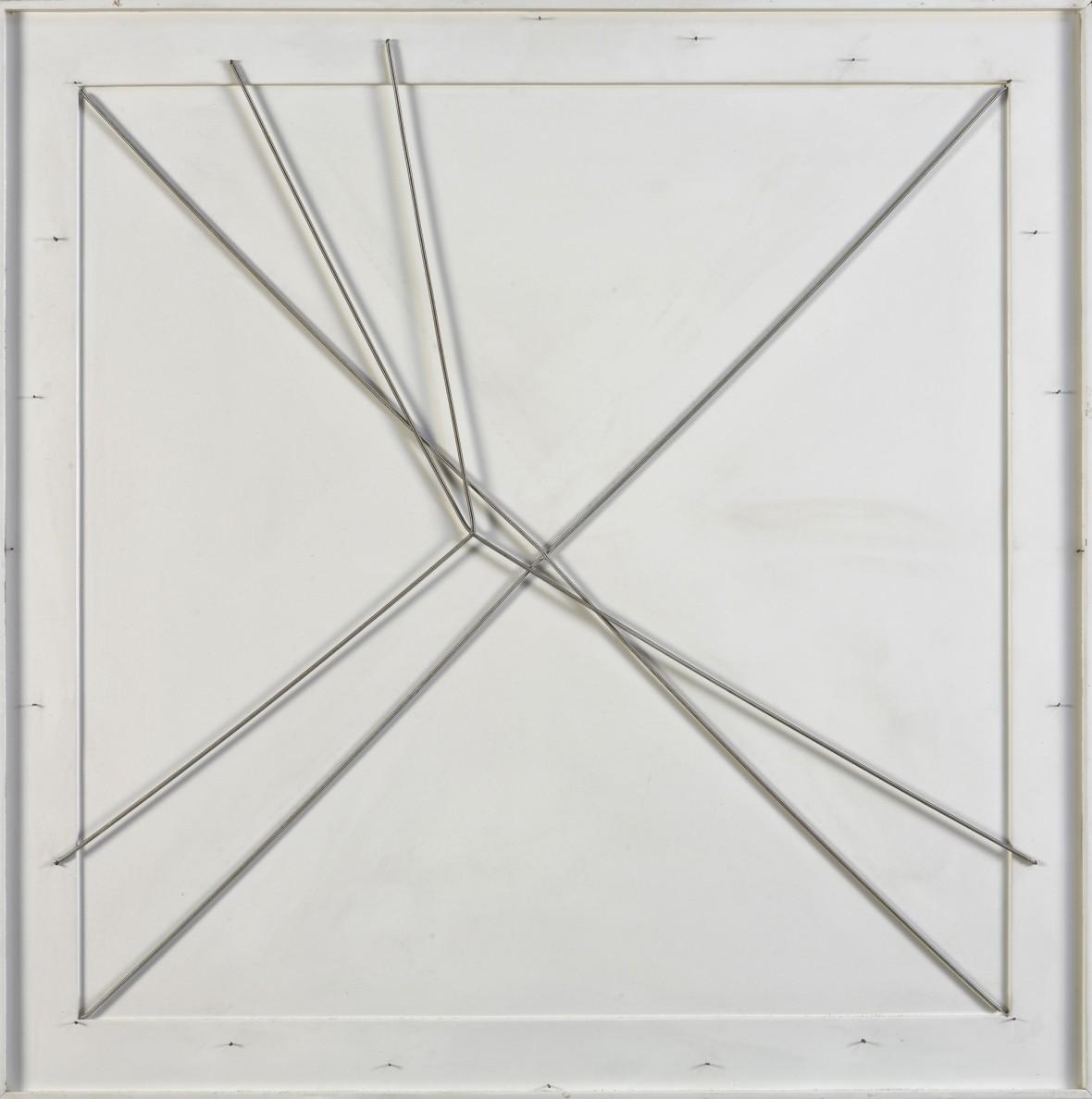 <p><b>Gianni Colombo,</b><i>Spazio elastico doppia X (Elastic Space Double X)</i>, 1982<br /> <br /><br /></p>