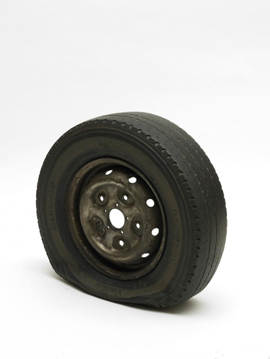 Gavin TURK, Flat tyre, 2013