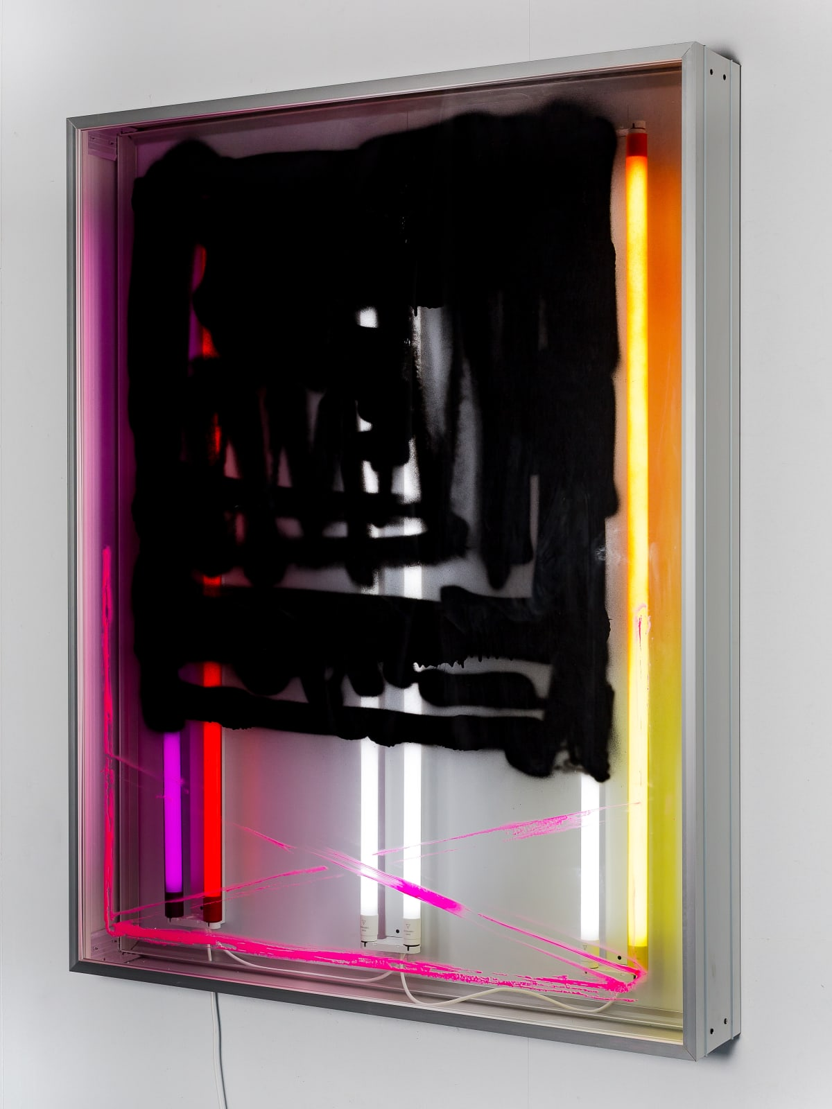 Thomas van Linge, (a) Untitled (Mirror Box), 2019