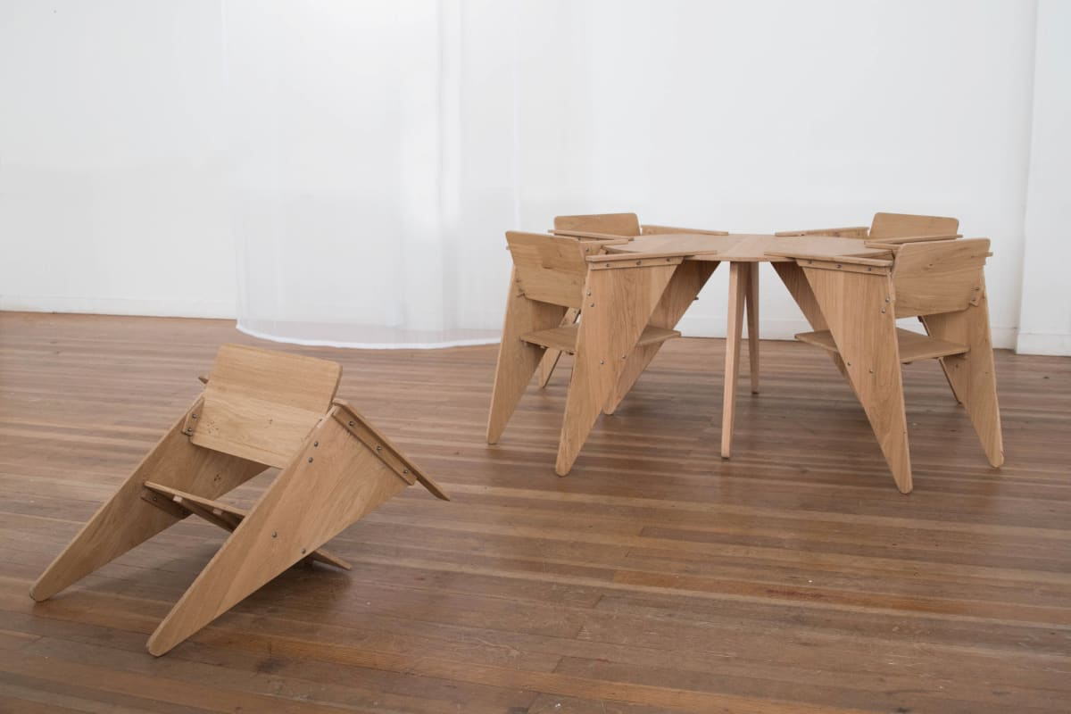 Pien Post, Table and chairs