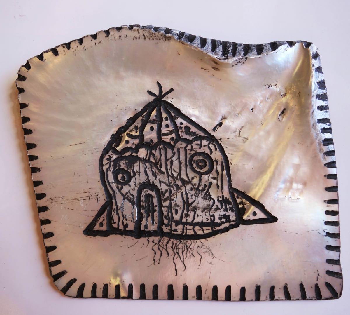 Stephen Eastaugh SHELL-8, 2015 Pearl shell and acrylic