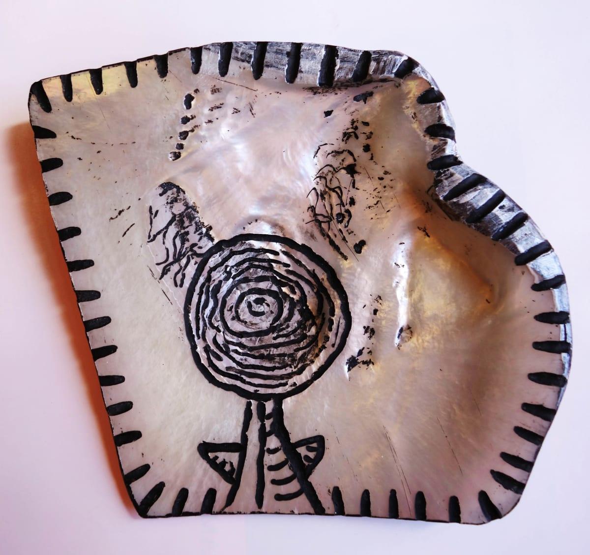 Stephen Eastaugh SHELL-3, 2015 Pearl shell and acrylic
