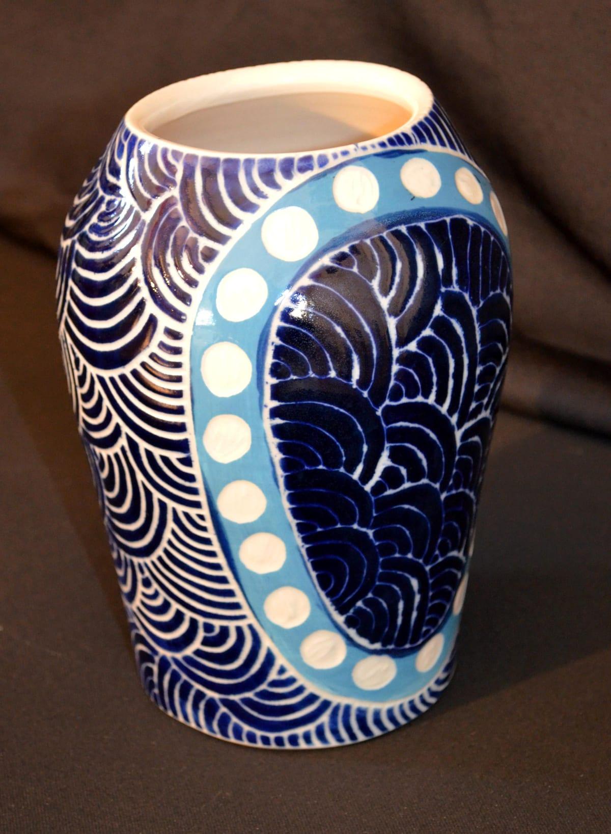 Linda Stanley Ngayuku ngura Stoneware 19.5 x 12 x 12 cm