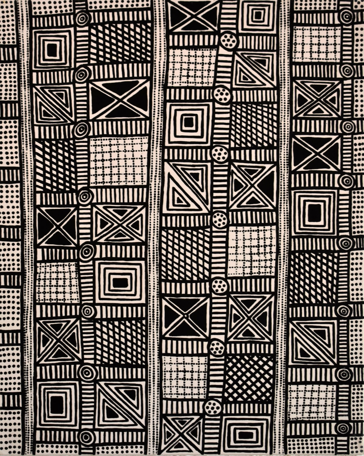 Tina Patlas Jilamara natural ochres on canvas 70 x 90 cm