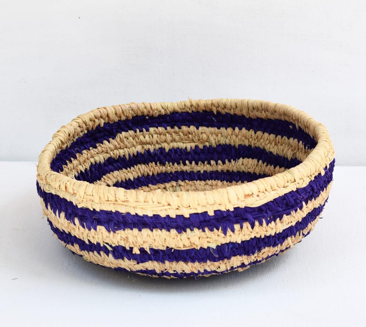 Julie Anderson Large round tall basket tjanpi, raffia and yarn 30 x 10 cm