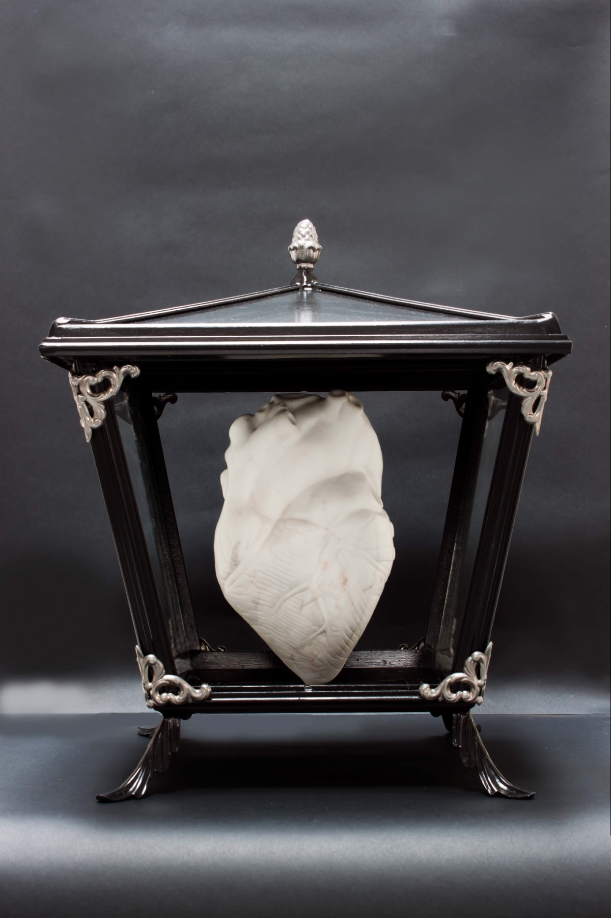Michelangelo Galliani Heart / Per te il mio Cuore (Heart / My Heart for you), 2001/2018 Statuario marble from Carrara, steel, and wood. 55 x 40 x 40 cm (21.7 x 15.7 x 15.7 in)