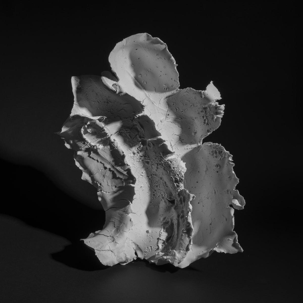Attilio Quintili #01 senza titolo, 2016 Porcelain 48,5x42x15 cm 18.9 x 16.54 x 5.91 in