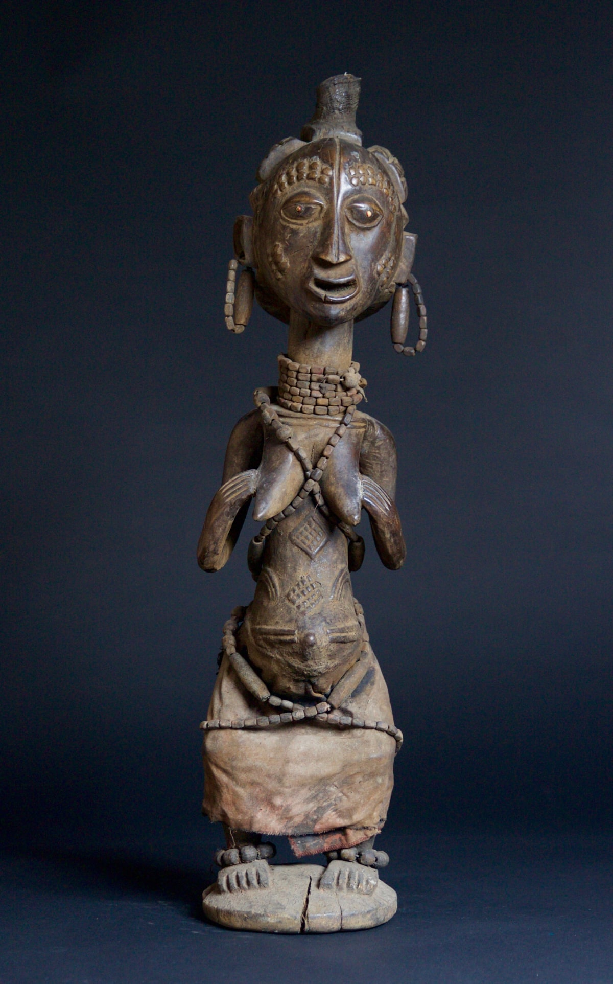 Luba Figure of a Woman, 19th - 20th century Wood height 69 cm height 27 1/8 in