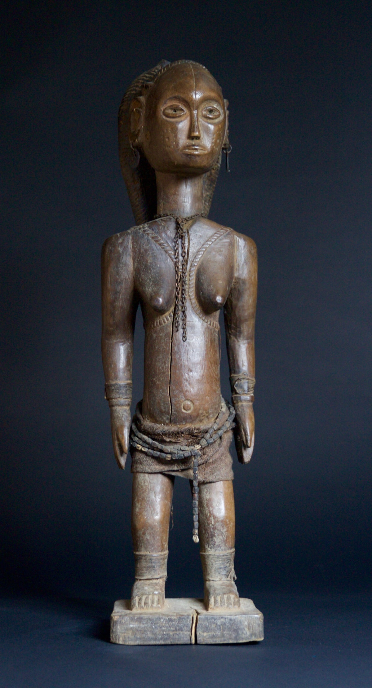 Ovimbundu Figure of a Woman, 19th - 20th century Wood height 75 cm height 29 1/2 in