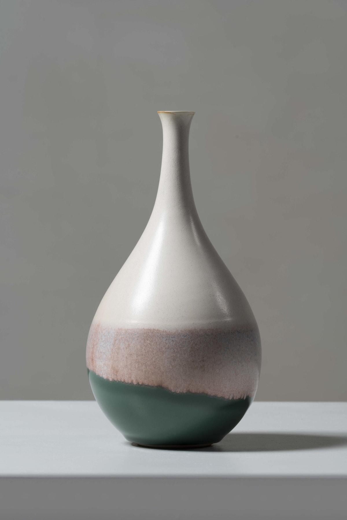 Fuku Fukumoto, Flower vase, 2018