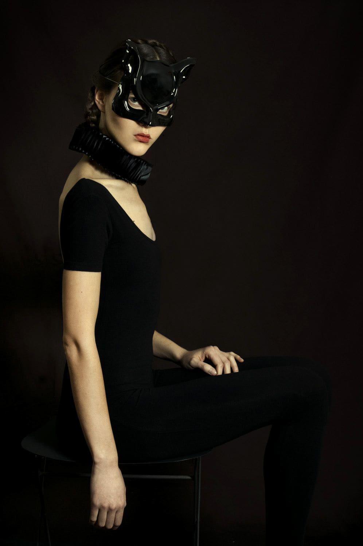 Romina Ressia, Girl wearing a costume, 2018
