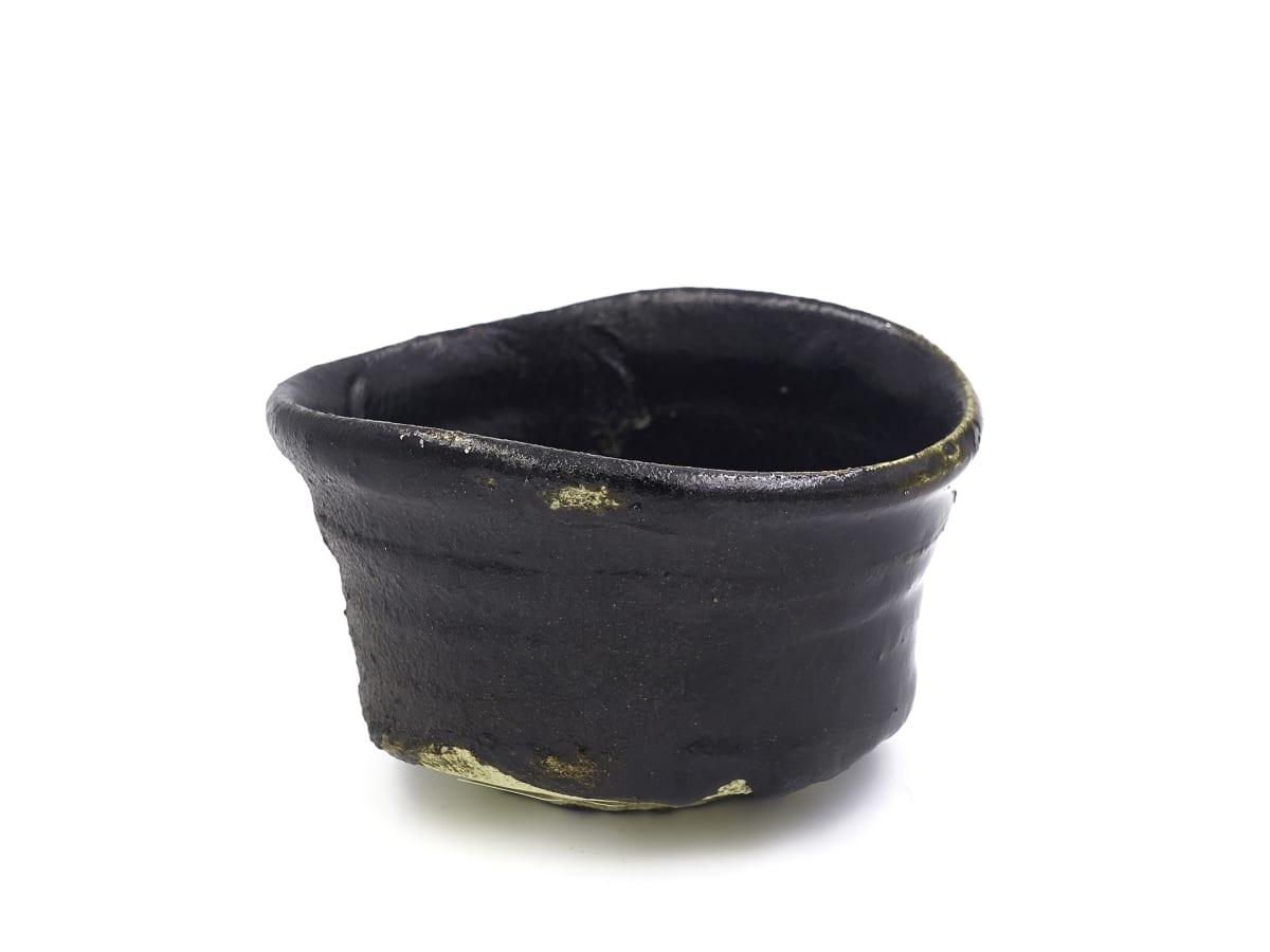 Hikidashi Kuro Tea Bowl
