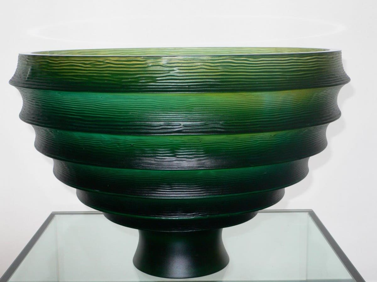 Ann Robinson Scallop Bowl, 2010 Cast glass 10 x 15.4 x 15.4 in 25.3 x 39 x 39 cm